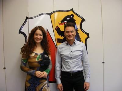 Sonja Rajsp und Bürgermeister Frank Scholz