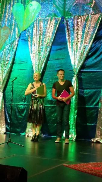 Gerhard Schick und Martina Netzer freuen sich über kräftigen Applaus bei der CSD-Gala Mannheim 06.08.2015.